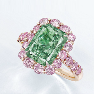 """Aurora"" 5.03 Carat Fancy Vivid Green Diamond"