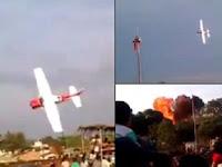 Pesawat Akrobatik Jatuh di Festival Bolivia