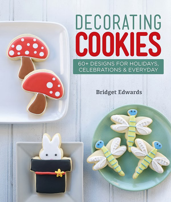 Decorating Cookies by Bridget Edwards @bakeat350