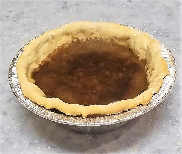 shoofly pie crust filled with molasses