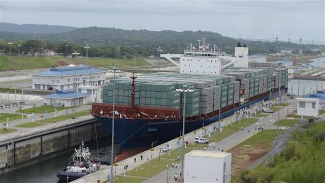 Chinese giant ship first to pass through expanded Panama Canal
