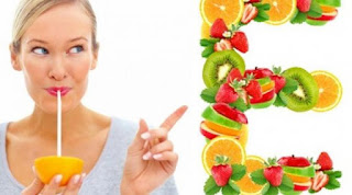 Mengonsumsi makanan yang kaya akan vitamin saat menstruasi