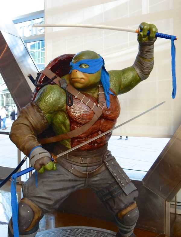 Leonardo Teenage Mutant Ninja Turtles 2 statue