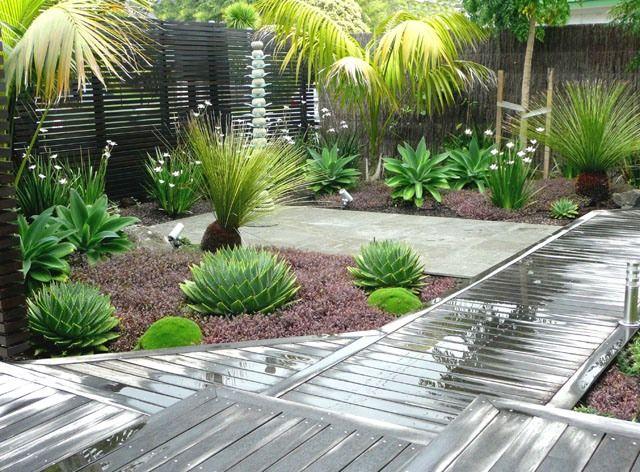 Contoh inpirasi desain taman minimalis tropis