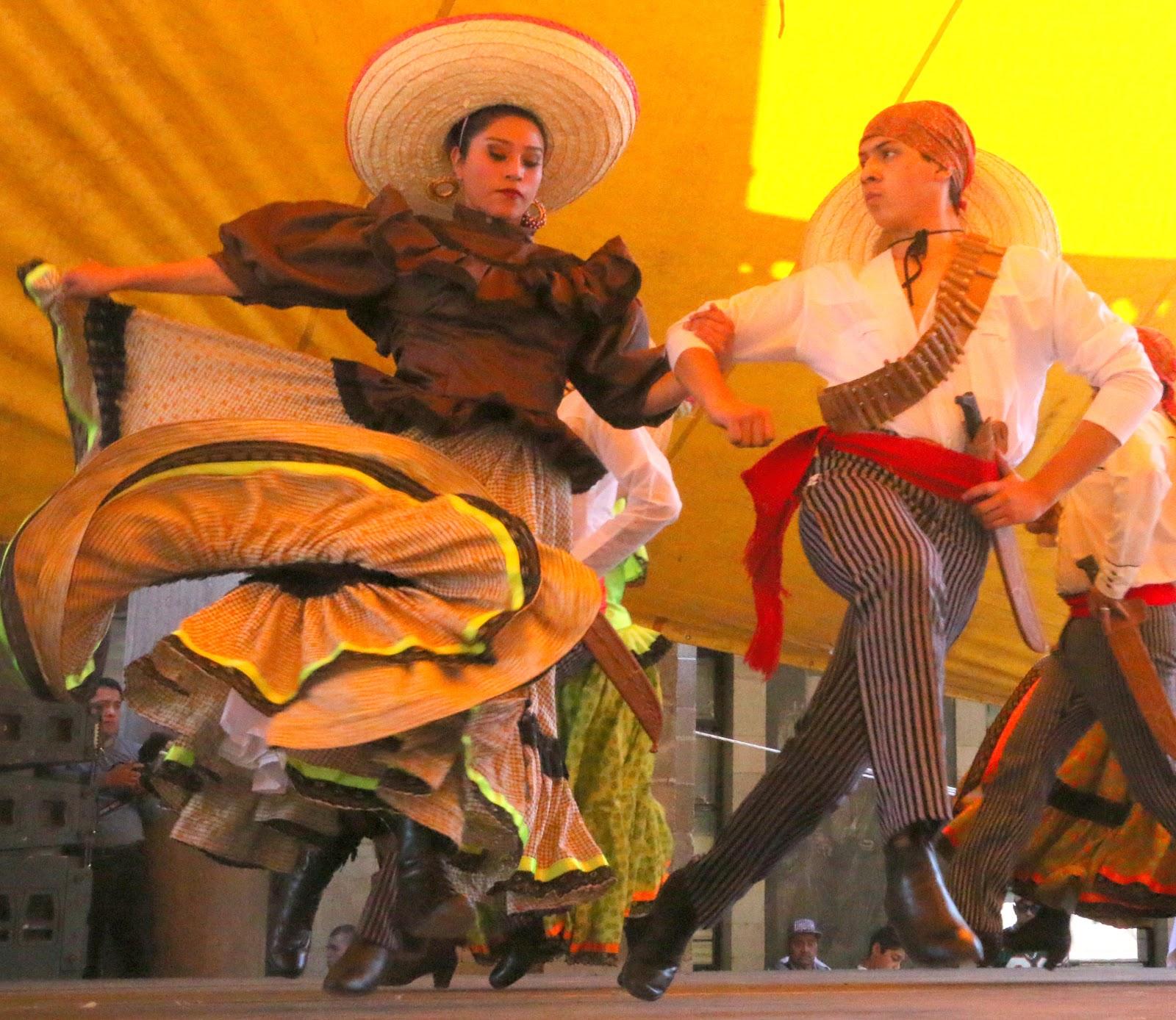 Vestido Folklorico Jalisco Mexico Ballet Folklorico Mexican