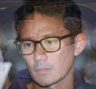 Meme Sandiaga Salahudin Uno Sedih Gagal jadi Cawapres di Pilpres 2019 -  Shadow Melihat Jokowi Amin di lantik Presiden dan Wakil Presiden