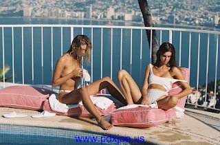 hot model Hanna Edwinson And Zoi Mantzakanis Special down bikini