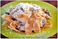 Φιογκάκια με μανιτάρια, πράσο, κρέμα γάλακτος - by https://syntages-faghtwn.blogspot.gr