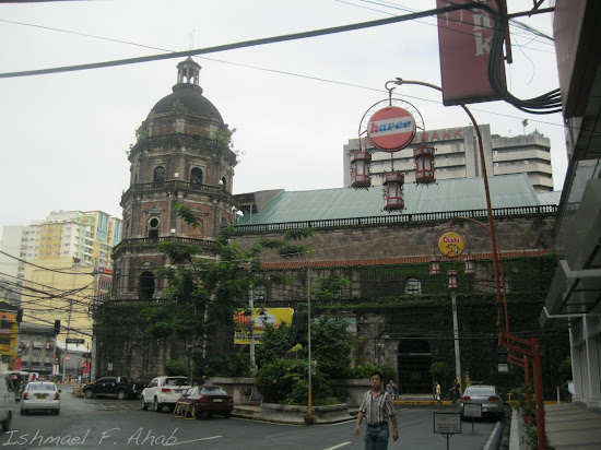 Binondo Church at the intersection of Ongpin Street and Quintin Paredes Street.