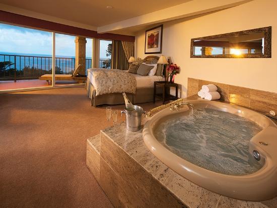 Se hospedar em um hotel de lua de mel
