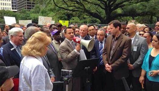 Prohíben a pastores evangélicos predicar contra la homosexualidad