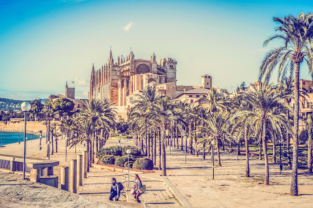 When a holiday to Mallorca is cheaper than a caravan in bamburgh, travel, mandy charlton photography blog, cheap travel, last minute deals, palma de mallorca