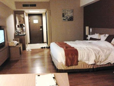 interior kamar grand aston medan