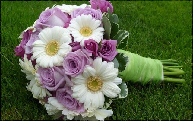 hediyelik çiçekler