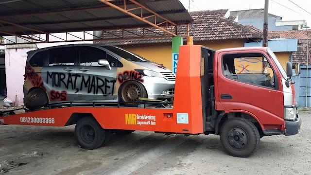 Layanan Jasa Derek Mobil Surabaya