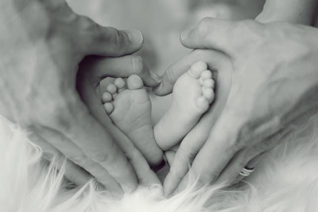 Καμπανάκι από ειδικούς για την υπογεννητικότητα στην Ελλάδα