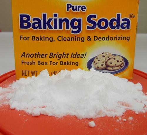 Hỗn hợp đồ uống baking soda kết hợp sữa tươi chữa ho và viêm họng