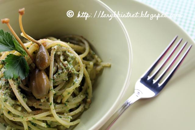 Lory B. Bistrot  Spaghetti al pesto di prezzemolo e capperi b0320912e8fa