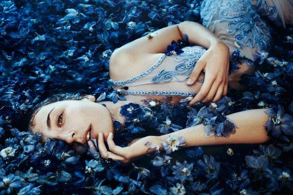 Bella Kotak 500px arte fotografia fashion surreal mulheres modelos flores magia beleza