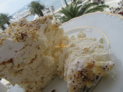 Fluffy cake with white chocolate cream