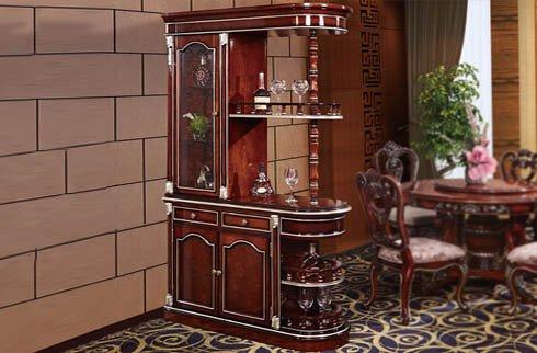 Cách bài trí tủ rượu phòng khách gỗ theo phong thủy bạn nên biết
