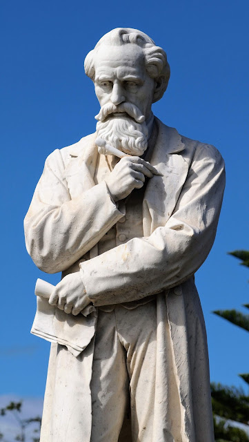 Statue of Charles Dickens in Centennial Park in Sydney; very rare according to the Izi. travel app