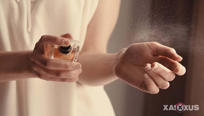 Ciri-ciri hamil anak laki-laki menurut penggunaan parfum