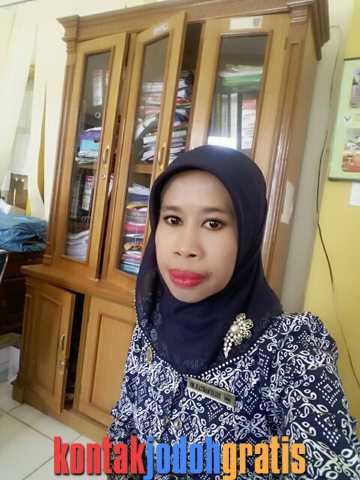 Janda PNS cari suami bertanggung jawab Ayank Yelvi Sumatera Barat