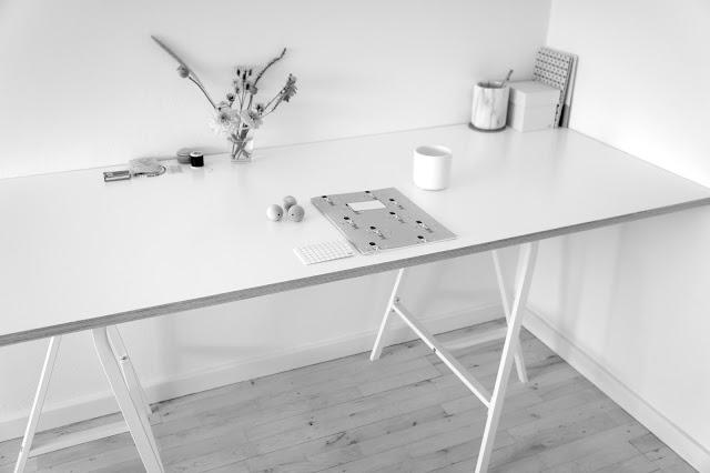 Anna Weinreich: Hjemmestrikket skrivebord