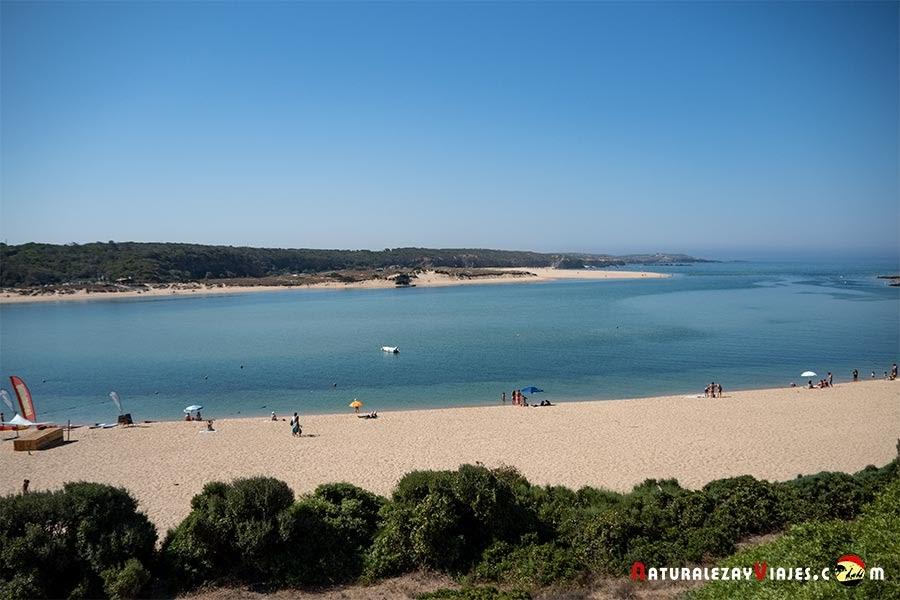 Praia Furnas en Vila Nova Milfontes, Alentejo