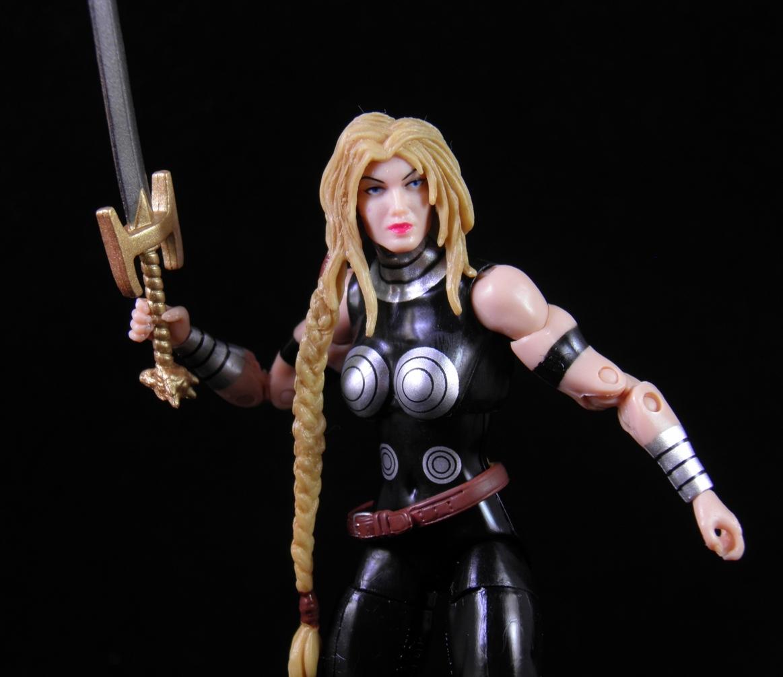 Am Valkyrie: She's Fantastic: Marvel Universe VALKYRIE