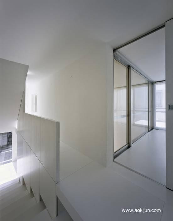 Interior de la casa japonesa en el segundo nivel