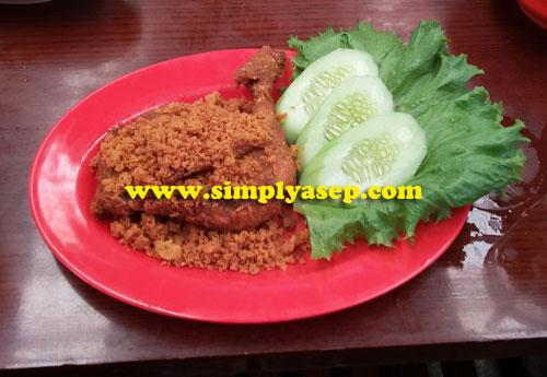 Ayam Pak Usu.  Foto Asep Haryono