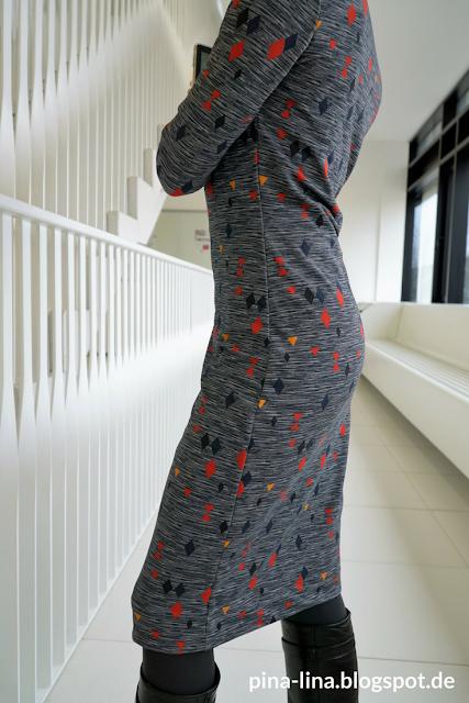 Seitenansicht des Jerseykleids aus 1,50 m Stoff