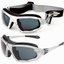 Óculos Mormaii Floater, indicado para práticas esportivas, inclusive  aquáticas pois o modelo flutua na água. Pode ser adaptado lentes graduadas. df687978f7