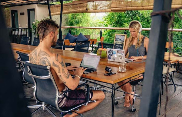 Digital nomad lifestyle - Make Money Online While Traveling