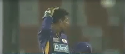 Dilshan hit by ball on top of head