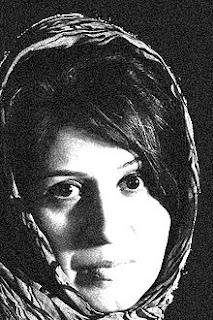 မ်ဳိးေတဇာေမာင္ ● ႐ိုဆာ ဂ်မာလီ (Rosa Jamali – Iran, 1977)