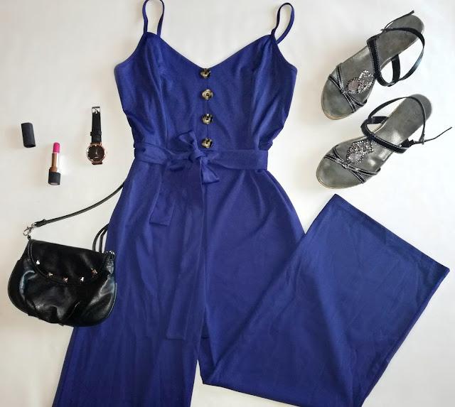 blue, navy blue, royal blue, jumpsuit, kombinezon, playsuit, plavi, kraljevsko plava, style, moda, fashion, heels, sandals, sandale, štikle, torba, bag, lipstick, ruž