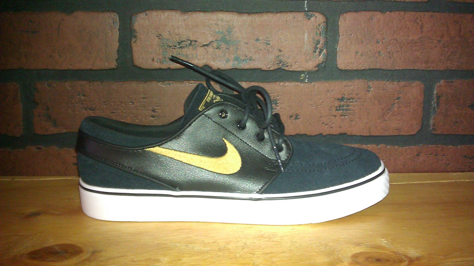 low priced ec481 7da03 NIKE SB MAY 2012 RELEASES. PAUL RODRIGUEZ 5 MID SB BLACK MINT  100. ZOOM  STEFAN JANOSKI MID SB BLACK GREEN  85