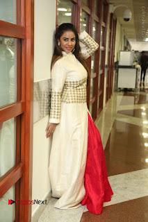 Telugu Actress Sri Reddy Mallidi Stills in White Beautiful Dress at Marriage Needs Bridal Fashion Week 2017 Logo Launch  0022.JPG