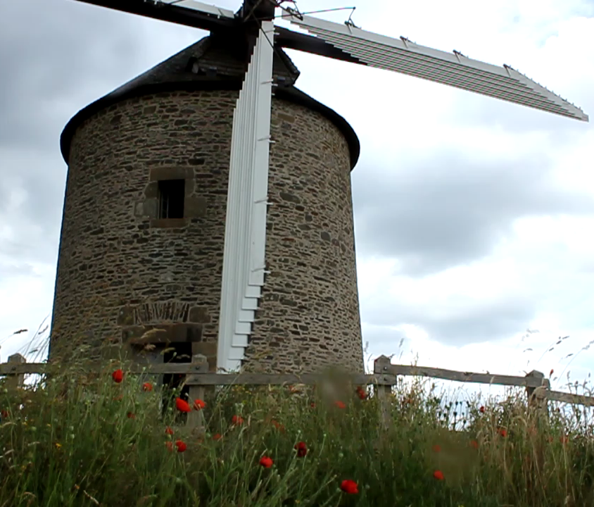 Le Moulin de Moidrey - working windmill