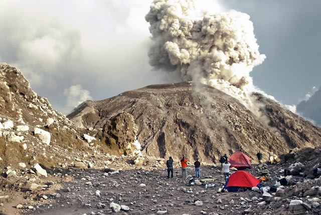 Volcano Uptick... Volcano-santiaguito-exploding-eruption-900x900