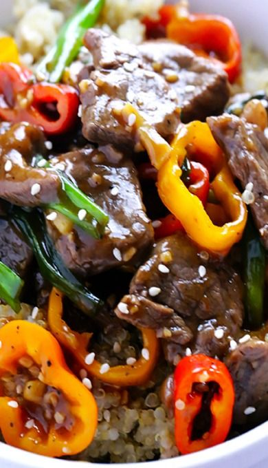 This Easy Pepper Steak recipe can be ready to go in 30 minutes, and is full of the great Chinese pepper steak flavors we all love!