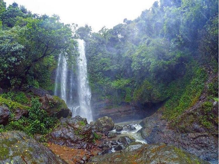 Misteri & Keindahan Wisata Air Terjun Jurang Nganten di Jepara