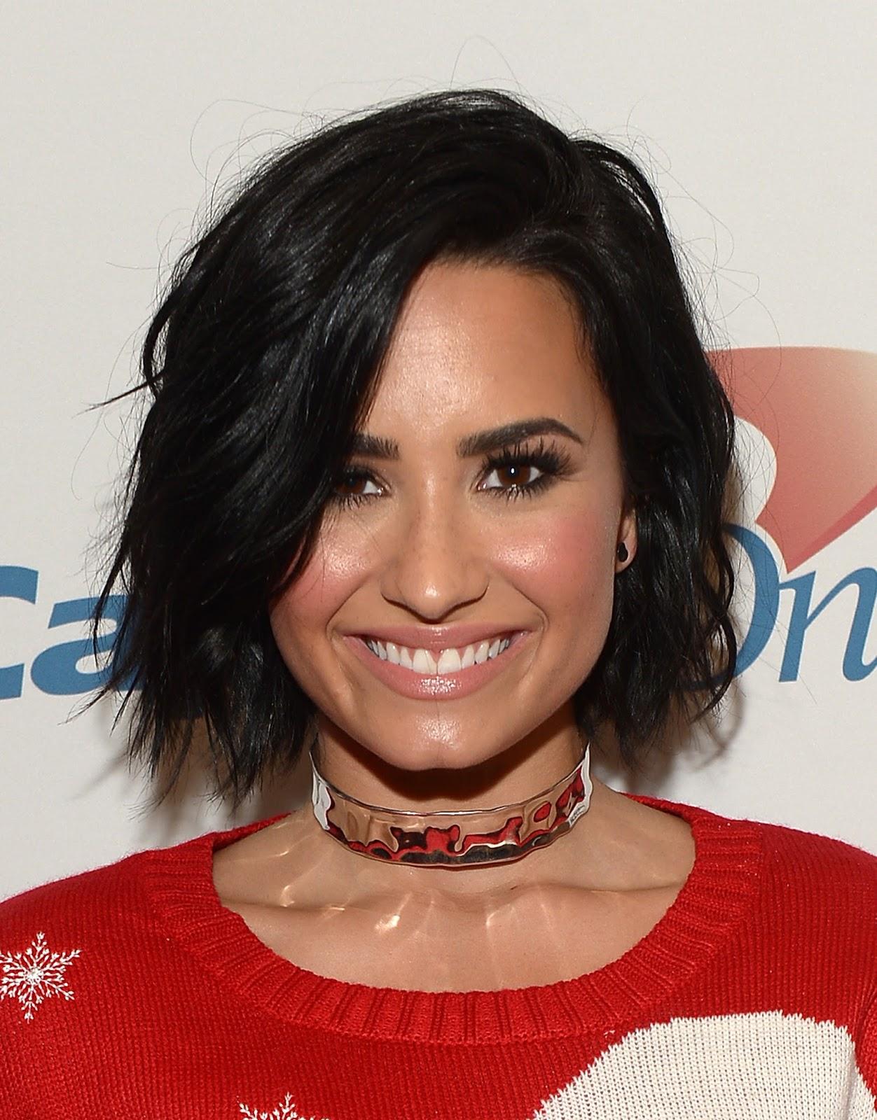 Demi Lovato Sexiest Instagram Pictures: Actress, Singer, Model, @ Demi Lovato