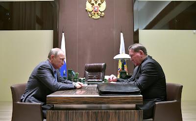 Vladimir Putin with Kursk Region Governor Alexander Mikhailov.