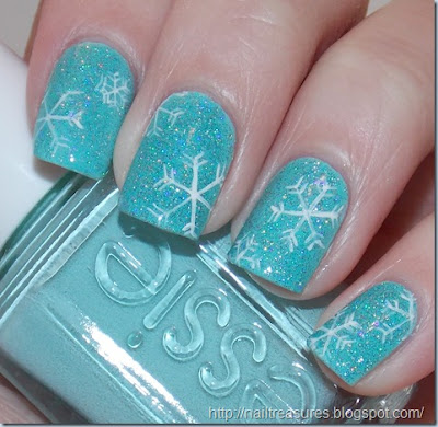 Guest Post: Delicate Falling Snow Nails by Abby at Nail Treasures