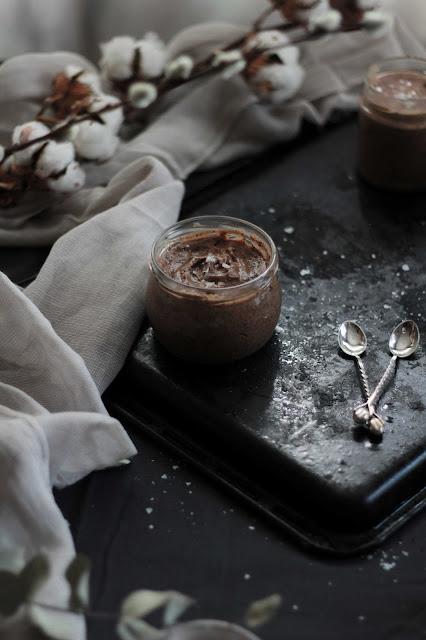 Mousse de chocolate al caramelo salado - RECETAS KIDSANDCHIC