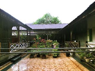 gambar halaman/aula belakang bangunan rumah tjhia